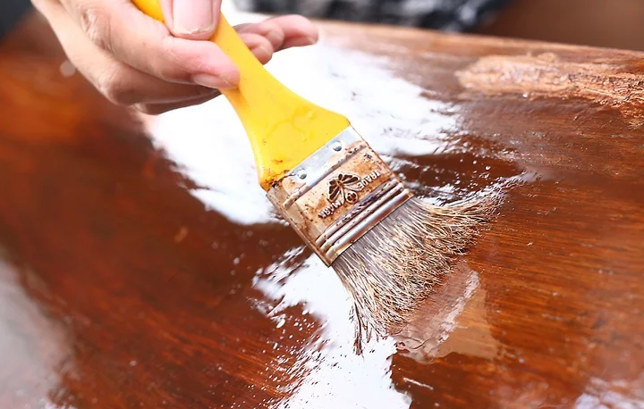 How To Stain Wood Furniture: Seal With Varnish